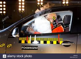 crash test siege auto 2013 safety airbag stock photos safety airbag stock images alamy