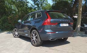 volvo xc60 interior 2017 2018 volvo xc60 review autoguide com news