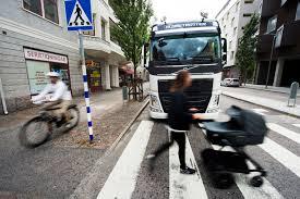 volvo truck video volvo trucks develops all around visibility tech that predicts