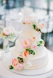 wedding cake flower inspired wedding cake with fresh flowers a wedding cake