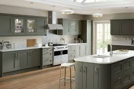 Grey Shaker Kitchen Cabinets by Shaker Style Cabinets White Shaker Kitchen Cabinets Dark Wood
