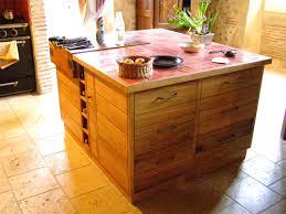 ilot central cuisine bois cuisine chêne vue d ensemble de l îlot central photo de