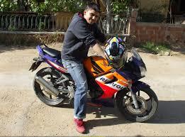 honda cbr 125 sportbike rider picture website