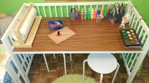 bureau enfant ikea un lit bébé qui devient un bureau d enfant bidouilles ikea