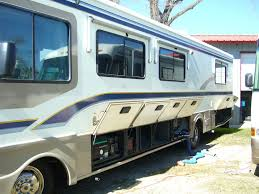 rv buying 101 which type of rv is best a motorhome or a 5th