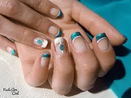 dessin sur ongle en gel nails arc en ciel nail art pierre liquide turquoise bijoux d u0027ongle
