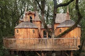 chambres dans les arbres château hautefort dans les arbres chambre237