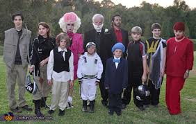 groups costumes for halloween family halloween costumes that prove dressing up is not just