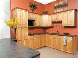 paint colors for kitchen walls with oak cabinets red kitchen walls with oak cabinets honey oak cabinets they need