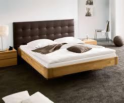 Schlafzimmer Farben Braun Funvit Com Graue Schräge Mit Bett