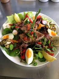 restaurant cuisine nicoise salade niçoise au steack de thon frais picture of restaurant la