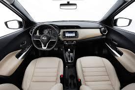 nissan kicks interior 2017 nissan kicks 2018 vídeo consumo versões e preços car blog br