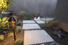 Mid Century Modern Landscaping by Outdoor Designing Ideas 2017 3 Lightandwiregallery Com
