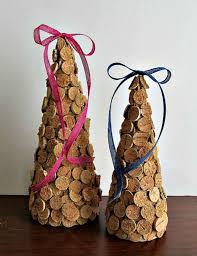 detallelogia árboles de navidad reciclando corchos botellas