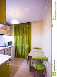 rideaux cuisine moderne cuisine moderne avec les rideaux verts image stock image