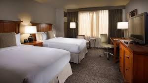 Two Bedroom Hotel Suites In Chicago Hotel In Oakbrook Il Doubletree Oakbrook