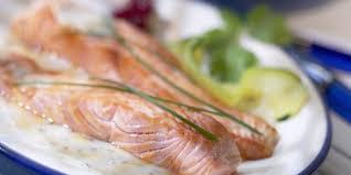 cuisiner filet de saumon recette de filets de saumon recettes femme actuelle