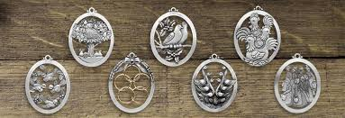 tree ornaments classic designs