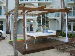 10 amazing outdoor swing bed designs
