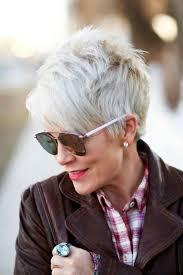 short gray haircuts for women over 60 hétköznapi frizurák és hajformák 50 60 év feletti hölgyeknek