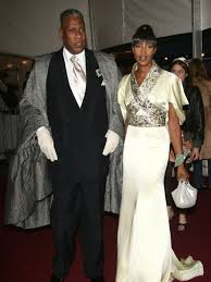 naomi campbell æs greatest fashion moments