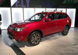 red mitsubishi outlander mitsubishi 2015 outlander gt eyes on slashgear