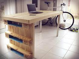 Diy Pallet Desk Diy Modern Chic Pallet Computer Desk 101 Pallets