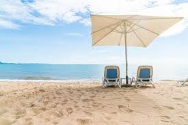 Beach Umbrella And Chairs Beach Umbrella Vectors Photos And Psd Files Free Download