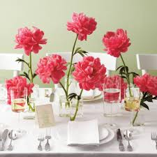 wedding decoration ideas in small glass stand vases