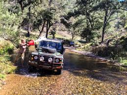 land rover jungle defender 4wd group weekend roaming the outback