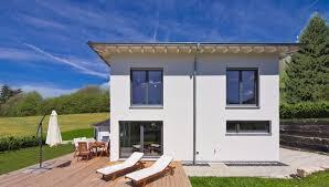 Fertighaus Kaufen Terrasse Bauen Oder Mitsamt Haus Kaufen Inspiration Magazin