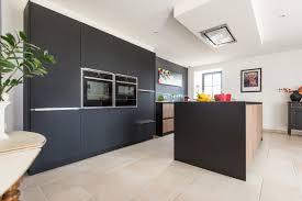 cuisine noir bois cuisine et bois