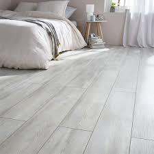 parquet stratifié chambre sol stratifié colours scandelo chêne blanchi chene blanchi