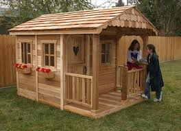 Backyard Play House Wooden Pallet Kids Playhouse Plans Recycled Things