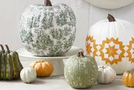 Halloween Diy Decorations by 60 Pumpkin Designs We Love For 2017 Pumpkin Decorating Ideas