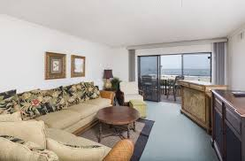 ocean hideaway is a direct oceanfront 2 bedroom condo on the