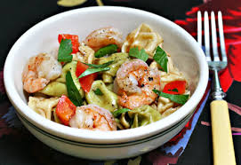 Summer Garden Pasta - the perfect pantry picnic perfect tortellini and shrimp salad recipe
