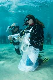 underwater wedding underwater weddings in sardinia élite diving agency