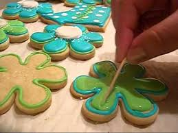 Decorating With Royal Icing How To Make Easy Flower Cookies With Royal Icing Youtube