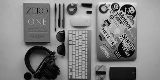 What Does Your Desk Say About You 5 Things Your Desk Says About You As A Professional Explore Oracle