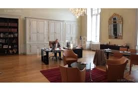bureau maire de encadré alain millot a conservé bureau de premier adjoint