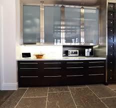 evier cuisine avec meuble evier cuisine granit noir cuisine avec plan de travail et vier en