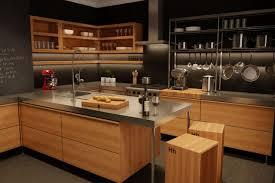 cuisine en bois massif moderne cuisine moderne en bois du québec léger décoration