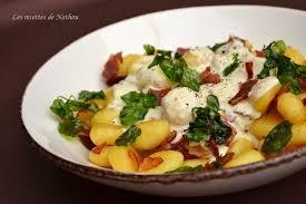 cuisiner gnocchi recette de gnocchi et pancetta grillés sauce crémeuse au comté et