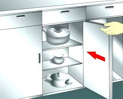 how to clean grease off kitchen cabinets what cleans grease off kitchen cabinets clean kitchen cabinets