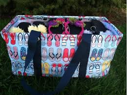 flip flop bag how many flip flops fit in this thirty one bag guess for your