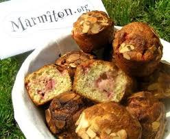 marmiton org recettes cuisine muffins aux fraises et à la menthe recette de muffins aux fraises