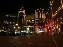 holiday lights st louis anheuser busch brewery st louis 250 years 250 cakes and now