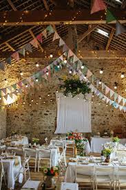 guirlande fanion mariage 10 idées pour habiller les plafonds de votre salle plafond