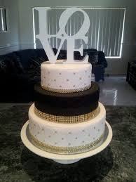 black and white wedding cakes best 25 black wedding cakes ideas on black and gold